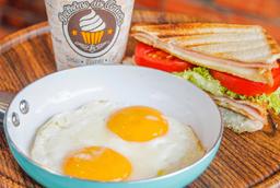 Desayuno Combo  Caldo Casero - Huevos Campesinos - Bebida Natura