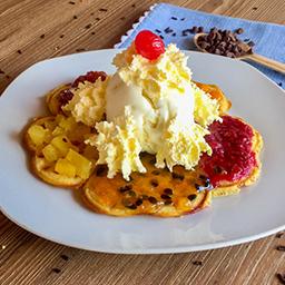 Waffle Combinado de Frutas