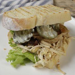 Sándwich Pollo y Vegetales