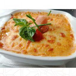 Lasagna di salmón
