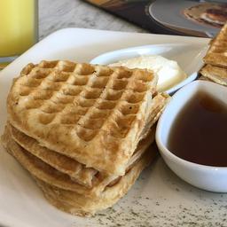 Waffle Pan de Yuca