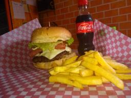 Combo Hamburguesa artesanal+papas+gaseosa