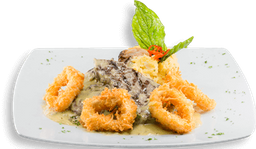 Steak en salsa de queso azul y Calamares