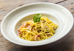 Spaghetti a la Carbonara + Flan