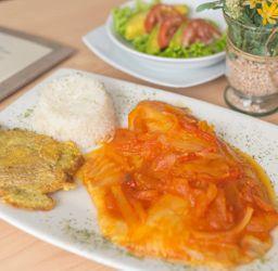 Filete de Tilapia a la Criolla