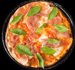 Pizza Queso Dibufala, Jamón Serrano, Albahaca y Tomate Cherry.🍕🍅
