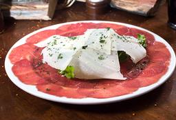 Carpaccio con Rúgula y Parmesano