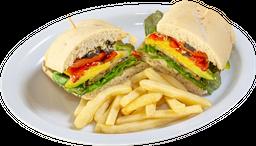 Sándwich de Vegetales Parrillados + 1 Acompañamiento