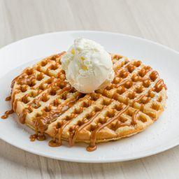Promoción waffle de arequipe + 2 bolas helado