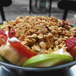 Ensalada de Frutas Granola