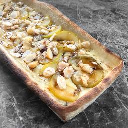 Pizza de Pera Confitada (Dulce)