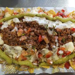 Nachos en Salsa Boloñesa