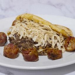 Arepa Mixta con Chorizo