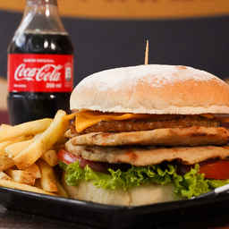Hamburgo tropical de pollo + 150 grs Papa fran + Gasesosa 250 ml