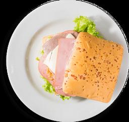 Sándwich Cuatro Carnes