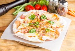 Tostada Tocineta y Parmesano