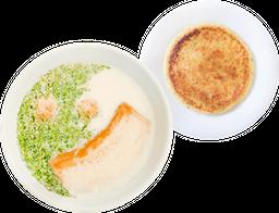 Caldo con huevos + Arepa