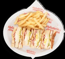 Sándwich Club de Pollo Extragrande