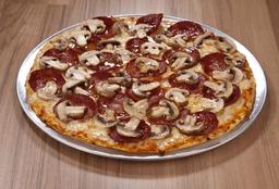 Pizza Pepperoni y Champiñones