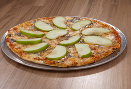 Pizza Dos Quesos con Manzana