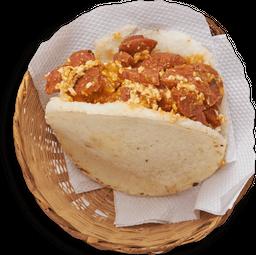 Arepa Rellena con Chorizo