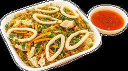 Arroz chino pollo y calamar