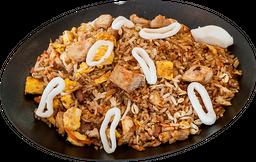 Khao pad gung pollo y calamar