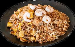 Khao pad gung pollo y camarón