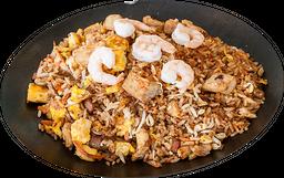 Yakimeshi pollo y camarón