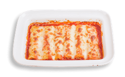 Cannelloni de ricotta y espinaca en salsa napolitana