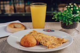 Omelet Especial + Producto de queso + Bebida