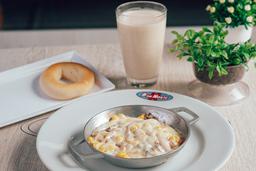 Huevos con Todo + Producto de queso + Bebida
