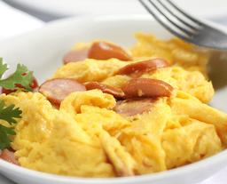Huevos con Jamón, Tocineta o Mazorca