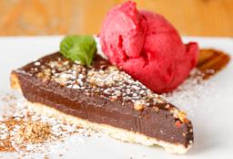 Tartaleta de chocolate con gelato