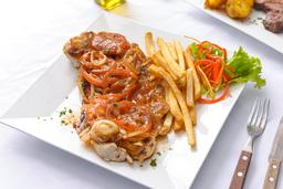 Pechuga en Salsa Criolla