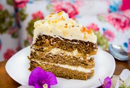 Porción Torta Tradicional de Zanahoria