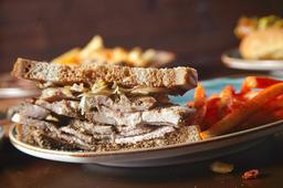 Sándwich pastrami de pavo