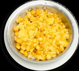 Huevos con maíz