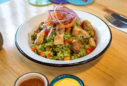 Arroz con pollo (al estilo peruano)