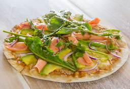 Pizza Salmón y Aguacate