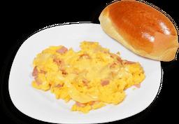 Huevos Revueltos con Jamón y Queso