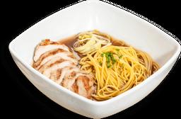 Sopa Noodles de Cerdo ó Pollo