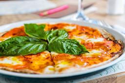 Pizzeta Mozzarella de Búfala y Albahaca