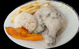 Pollo en Salsa Champiñón