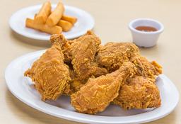 Pollo Apanado + Porción de Yuca