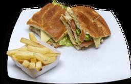 Sándwich de Cerdo + Papas a la Francesa