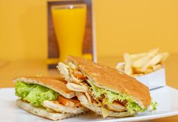 Sándwich Filete de Pechuga + Papas a la Francesa