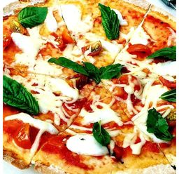 Pizza Margarita Queen