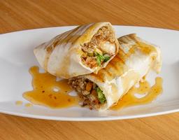 Orange Chicken Burrito + Limonada 12 Oz
