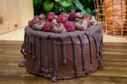 Torta Drip de Chocolate y Frambuesas